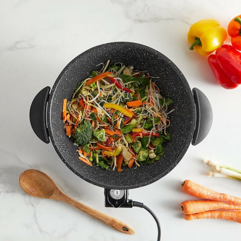 6 Fantastic Electric Woks - Cook Your Favorite Dishes Anywhere!