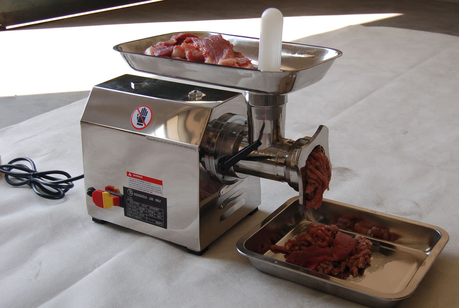 8 Best Meat Grinders - When Grinding Is Just A Piece of Cake