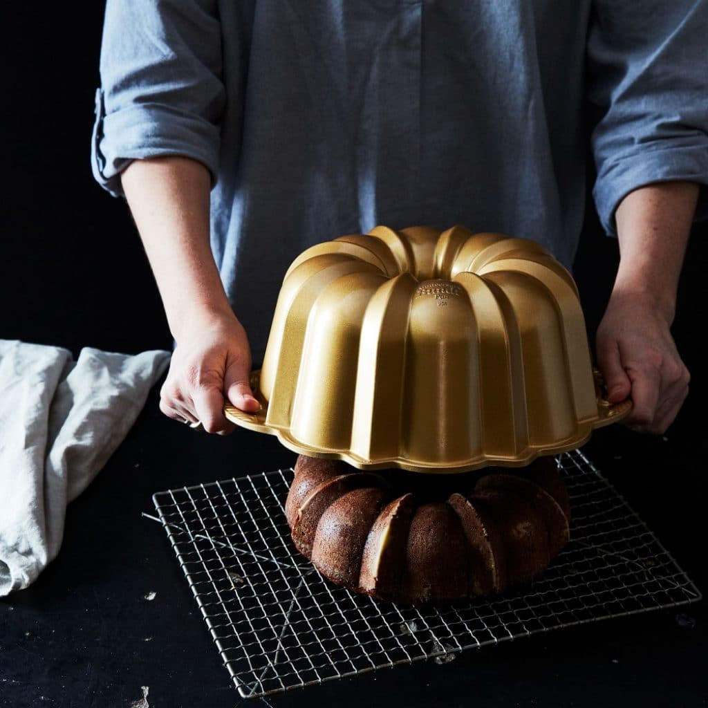 8 Amazing Bundt Pans of All Shapes to Impress Your Guests and Family