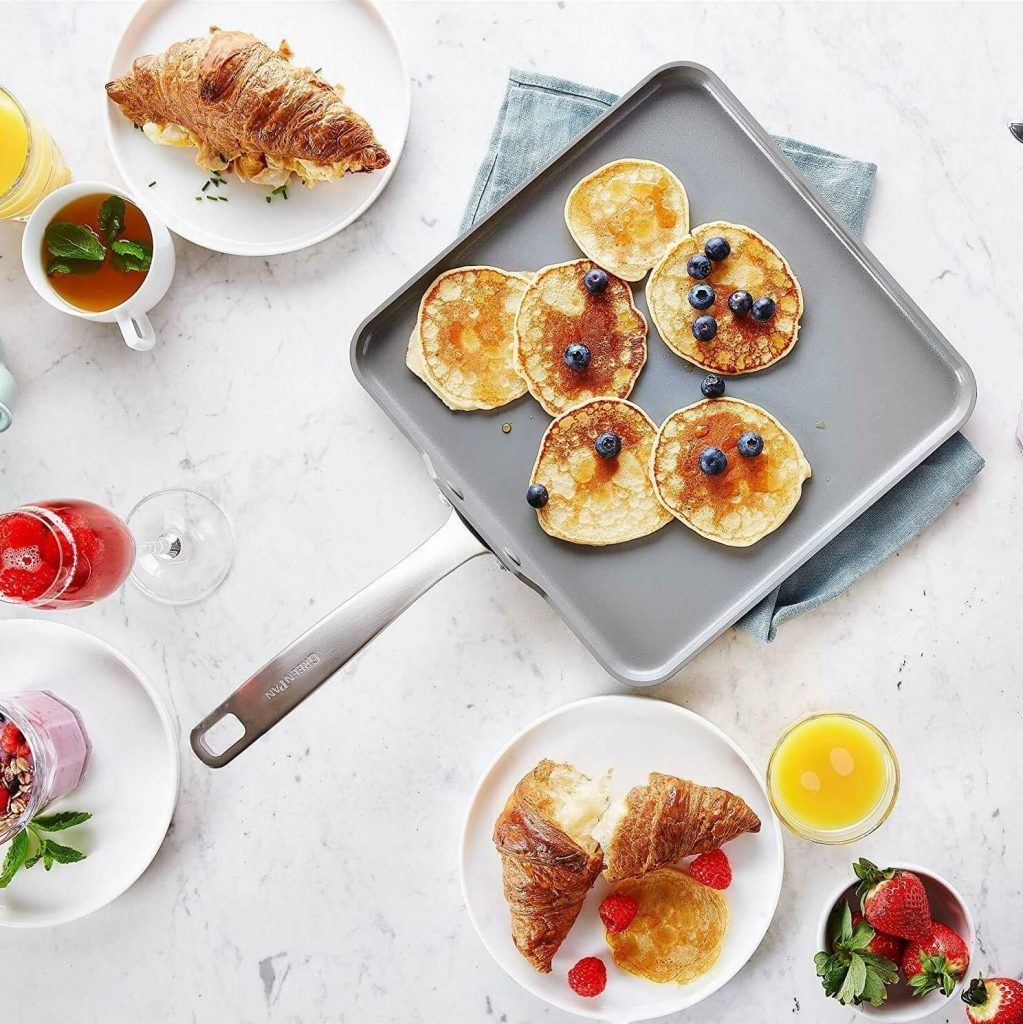6 Excellent Griddle Pans for True Cooking Variety