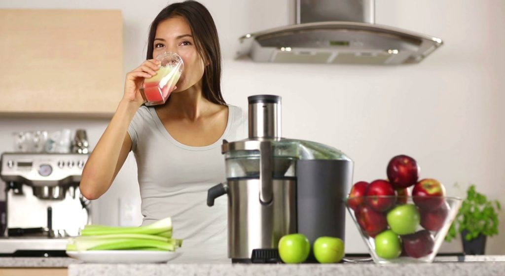 8 Best Juicers for Beginners - Your First Steps in Juicing