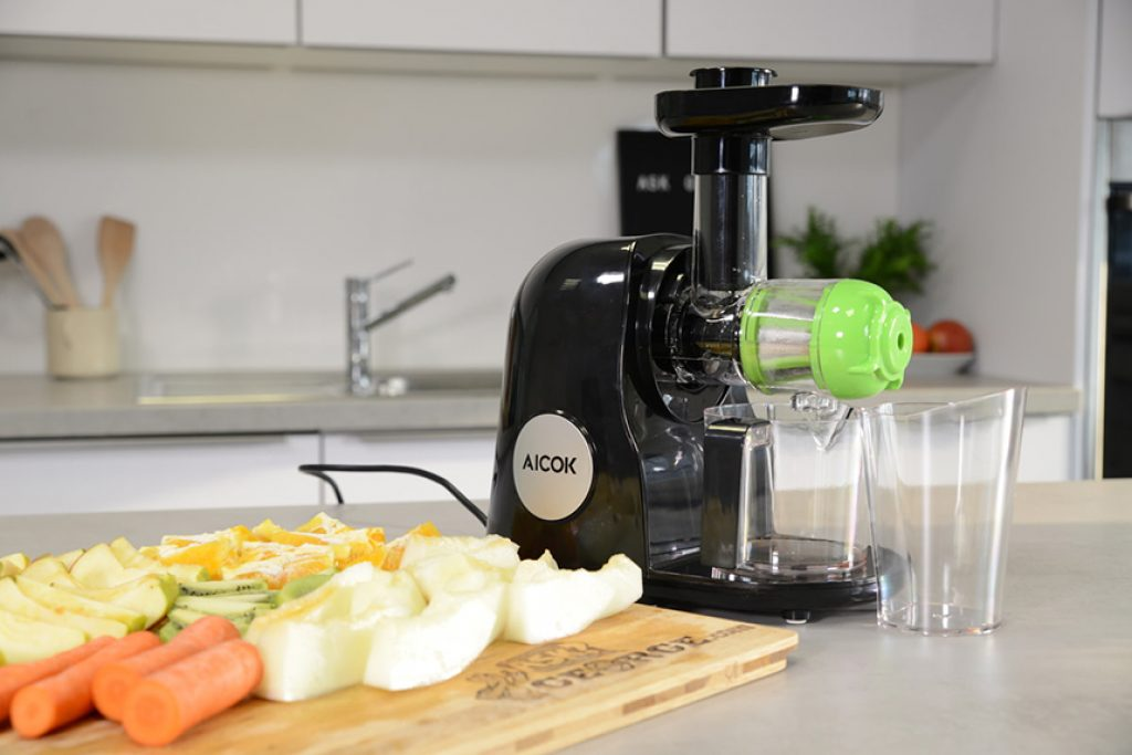 5 Best Juicers Under $200 - Why Not To Save A Buck If It Goes