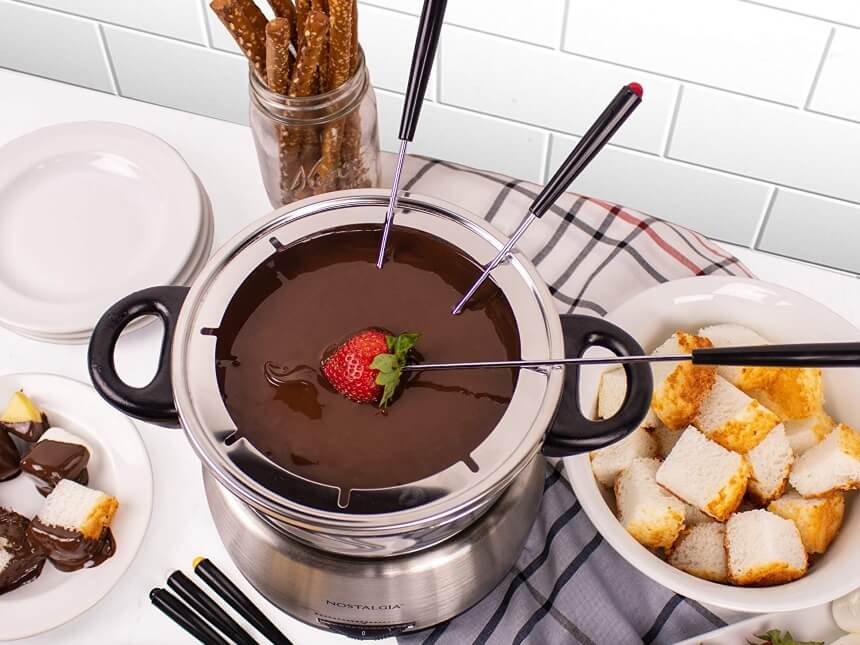10 Best Fondue Pots - Stylish and Easy to Use!