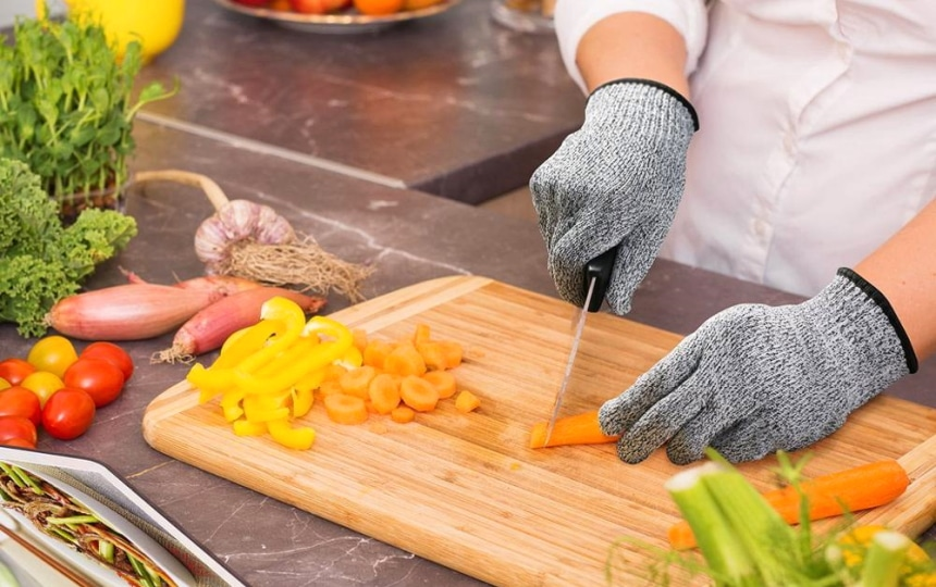 8 Most Reliable Cut Resistant Gloves — Add a Pinch of Safety to Your Cooking!